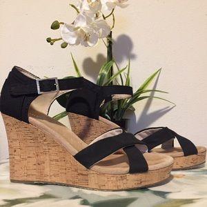 🌼 Toms Sienna Black Cork Wedge Sandal